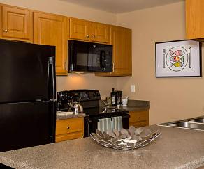 Apres Apartments, Montessori School Of Denver, Denver, CO