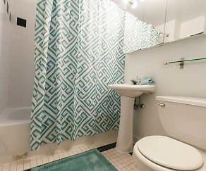 Bathroom, 925 W. Dakin