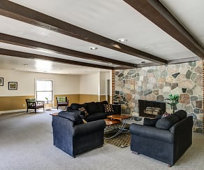 Clubhouse, Pines Lapeer West