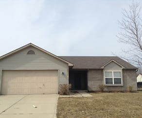 620 Woodfield Circle, 46123, IN