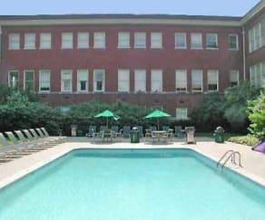 Pool, The Penn Warren Apartments