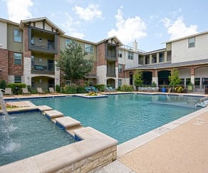 Pool, Century Lake Highlands