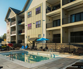Pool, The Hamlet at Saratoga Springs Apartments