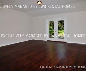 Living Room, 3064 Jennings Rd