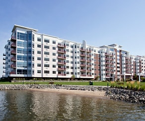Harbor Square - Living at the Hudson River's edge, Harbor Square