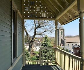 Patio / Deck, The Terraces
