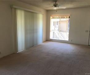 Living Room, 91-1305 Puamaeole St Apt 33S