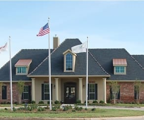 Building, Magnolia Trace