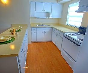 Kitchen, Seaside Apartments