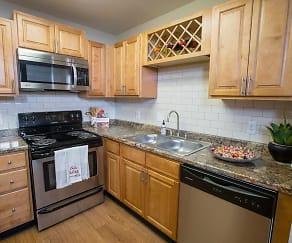 Kitchen, The Reserve at Ridgewood