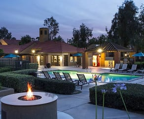 Pool, Highlands Apartment Homes