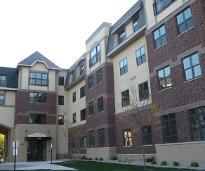 Building, Oaks Station Place Apartments