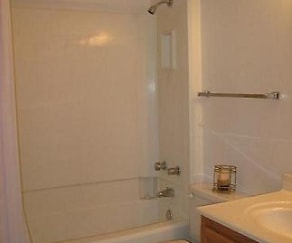 Bathroom, Carver Ridge Townhomes