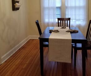 Dining Room, Mariemont Townhomes
