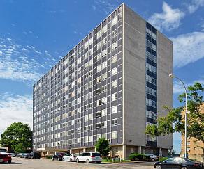 Nine Ten Penn Apartments, River Bend, MO