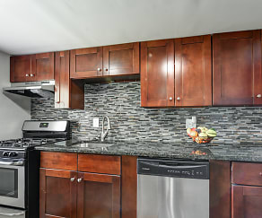 Kitchen, Westerville Park Apartments