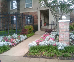 Apartments For Rent in Dallas, Hillburn Hills Apartments