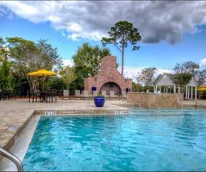 Pool, Arbor Trace