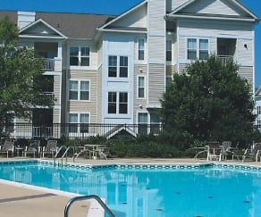 Pool, The Point at Owings Mills
