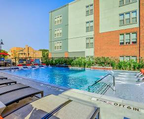 Pool, Two99 Monroe
