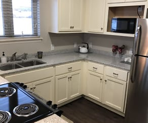 Kitchen, Chateau at Heritage Square 55+ Community