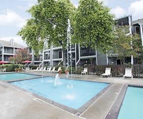 Pool, Doral Club