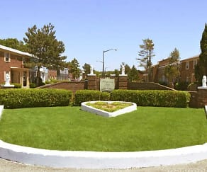 Landscaping, Whispering Hills Apartments
