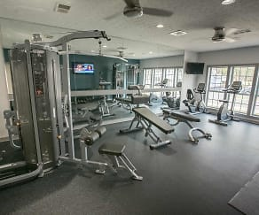 Fitness Weight Room, Hunter's Chase