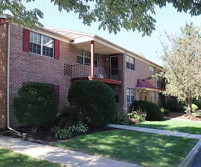 Quaint apartments off Cedar Crest, Cedar Glen
