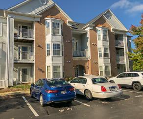 Front of building.jpg, 2000 Phillips Terrace Unit 12