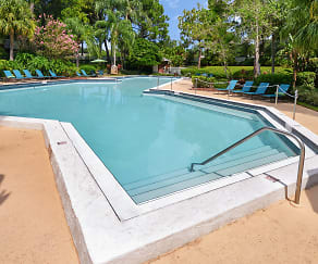 Pool, The Park at Elland Apartments