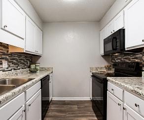 Kitchen, Pinewood at National Hills