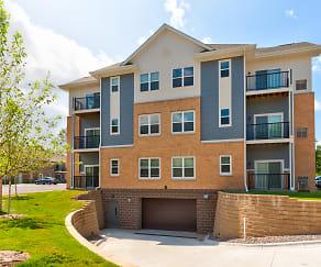 Building, Apple Villa Apartments II