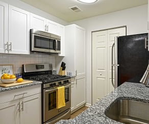 Kitchen, Eagle Rock Apartments at Freehold