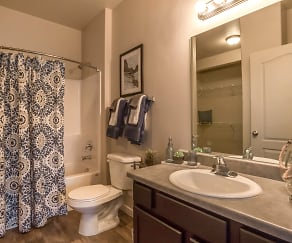 Bathroom, Concord At Geneva