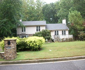 front of house, 131 Arrowood Ln