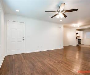 119 Pharr Manor, Castlewood, Atlanta, GA