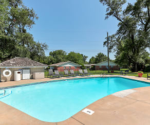 Pool, Hearth Hollow Apartments