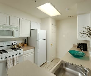 Kitchen, Avalon Courthouse Place