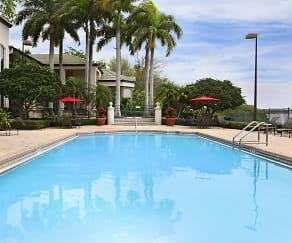 Pool, Bayside Arbors