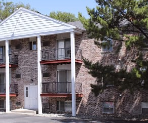 Building, Oak Hill Apartments