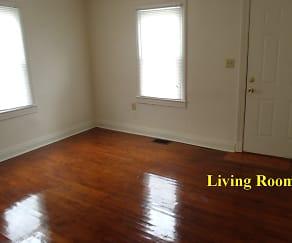 Living Room, 4045 Woodruff Avenue