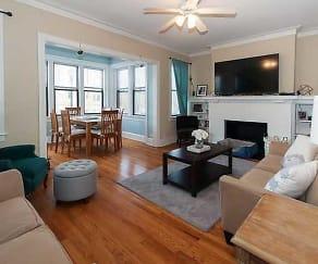 Living Room, 618 Hinman