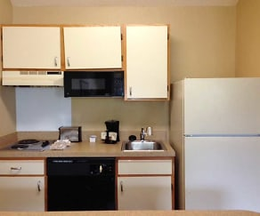 Kitchen, Furnished Studio - Boston - Peabody