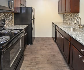 Fox Run Apartments & Townhomes, Bear, DE