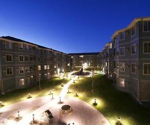 Courtyard, Eagle Crest Apartments
