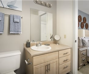 Bathroom, Creekside Apartments