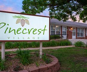 Community Signage, Pinecrest Village