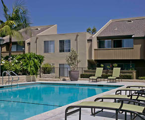 Minutes from Cerritos Towne Center and Center for the Performing Arts, Cerritos Apartments