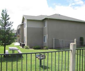 Building, College Park Apartments